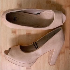H&M Nude Peep Toe Party Heels Comfortable 4 Inch